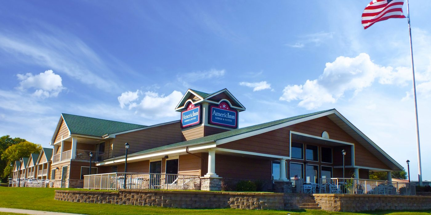 Exterior of AmericInn Lodge & Suites Okoboji