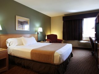 King Accommodations at Ramada of Spirit Lake